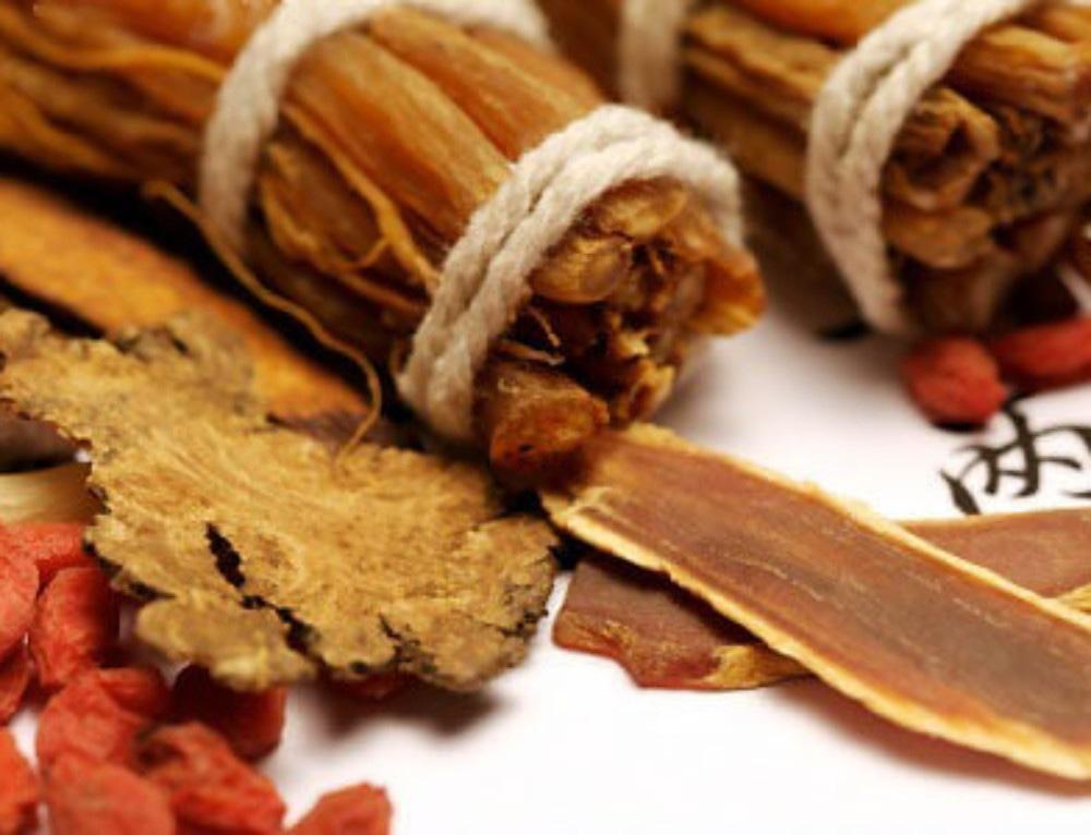 中醫美白 常用紅棗、枸杞、黃耆藥膳